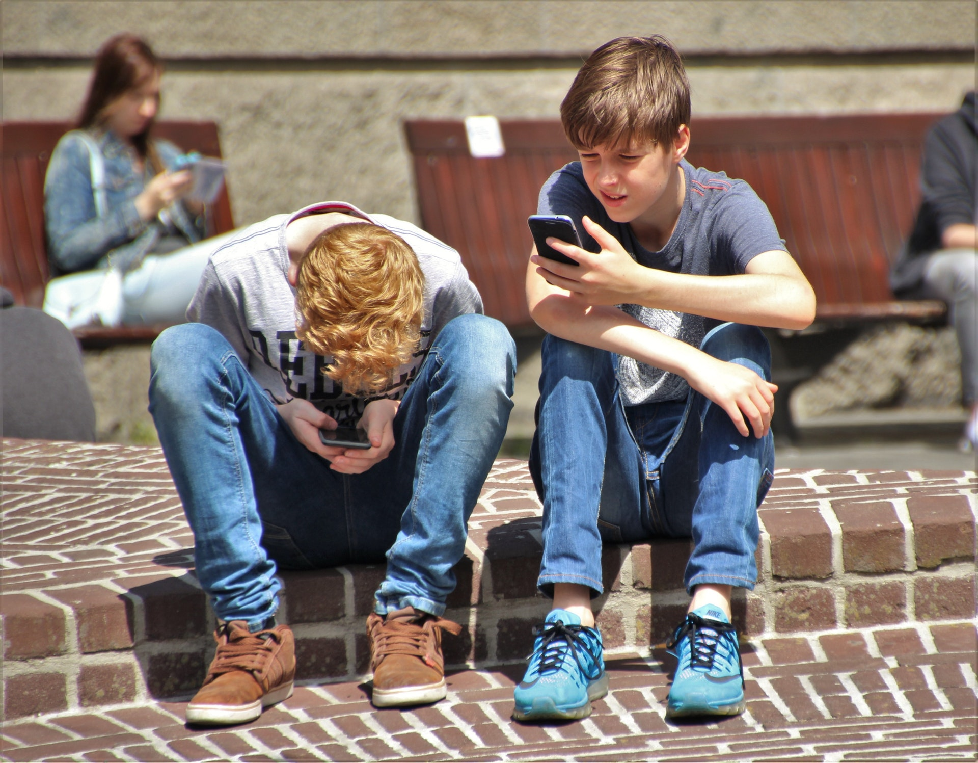 How Cell Phones Influence Adolescent Development